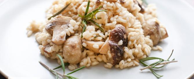 Ein verführerisch leckeres und leichtes Pilz-Risotto - ein italienischer Klassiker einfach zubereitet